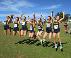 JF20161112-005.jpg (Menlo Photo Bank) Tags: crosscountry event photobyjuliefouquet favorite menloschool largegroup girls people meet students upperschool 2016 fall sports formalgroupphoto eliza natalia atherton ca usa us