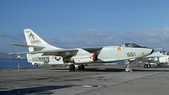 A3 138925 1975-10 KNGZ CW (Gert-Jan Vis) Tags: 138925 a3 usnavy douglas skywarrior alameda 10786 vaq208