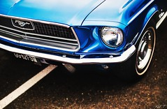 Mustang (Karl.T-Enigma) Tags: mustang ford old vintage chrome bleu 6d canon fullframe 50mm f14 usm focalfixe motors