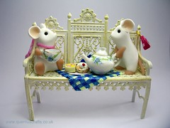 Tea Party Mice (Quernus Crafts) Tags: cute bench picnic mice polymerclay handbags teacup teaparty quernuscrafts
