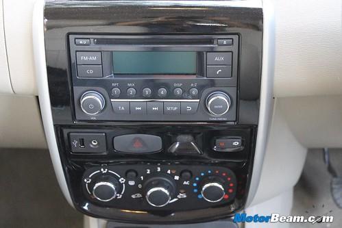 2013-Nissan-Terrano-40