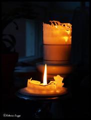 A last light (DameBoudicca) Tags: light luz fire licht candle lumire llama kerze flame fuego vela feuer flamme candela luce fuoco feu bougie fiamma  eld   ljus   flamma stearingljus