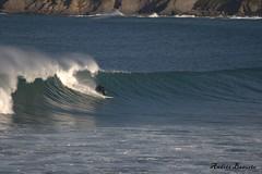 Surf en Mundaka (andresbasurto) Tags: mar surf deporte otoño olas bizkaia ola mundaka surfista 2013 andresbasurto olaizquierda