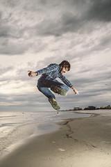 jumpbeach (Emile Frey) Tags: sky dog beach 35mm canon island jump fishing waves seagull alabama speedlight dauphin markiii strobist nostrobistinfo removedfromstrobistpool seerule2
