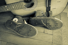 Converse 32 Gymnastikskor Tags Old Festival Shoes Guitar Sneakers Converse Chucks Trashed
