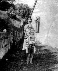 A wartime family (SteveJM2009) Tags: uk mary scan edward mum berkshire berks 1943 wartime stevemaskell westilsley annmaskell grannyhenley