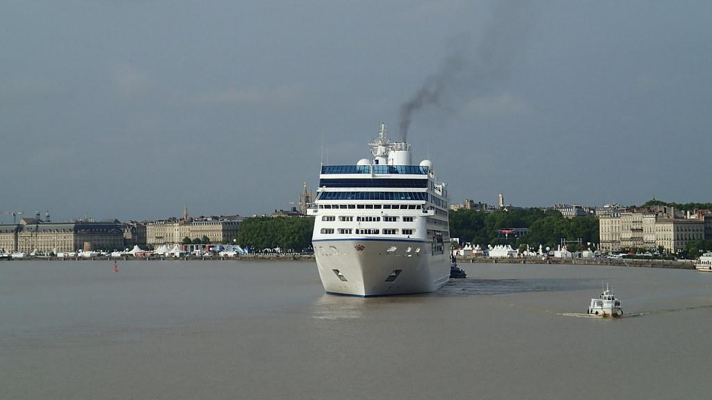 Arrivée du MS NAUTICA - Bordeaux Port de la Lune, 28 juin 2014