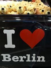 Teddy Car (cn174) Tags: berlin car germany deutschland teddy tourist ger touristshop i❤berlin