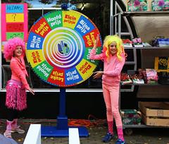 2016 Kampweg-kriebels (Steenvoorde Leen - 2.5 ml views) Tags: 2016 doorn utrechtseheuvelrug kampweg kiebels kampwegkriebels winkels shops shopkeeper store carpet roze rose pink day action aktie haalboom radvanfortuin