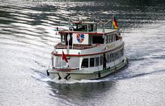 Zell, Ausflugsschiff auf der Mosel (HEN-Magonza) Tags: zell mosel moselle rheinlandpfalz rhinelandpalatinate deutschland germany