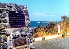 1975-02 Lighthouse & Plaque