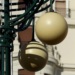 Estaci del Nord/ Xativa Valencia N.2 (sandroraffini) Tags: sfera sphere globo globe modernismo modernism artnoveau details exploration lines curves abstract reality urban street lamp light shadows spain valencia fragments canon sandroraffini 70200 metal glass