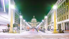 _SDI0246 (denisnestler) Tags: rom dom kirche papst nacht night papa roma church traffic light licht strase street