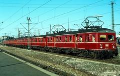 465 005 + 006 + 022   Stuttgart Hbf  16.09.79 (w. + h. brutzer) Tags: stuttgart eisenbahn eisenbahnen train trains deutschland germany railway triebwagen triebzug triebzüge 465 db webru analog nikon et65