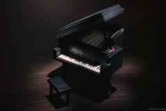 ...note di luce (Marano Marco) Tags: marano maranomarco luce lux piano pianoforte musica music musicpiano suoni sound ombre