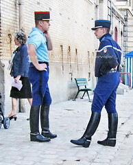 bootsservice 07 8471 (bootsservice) Tags: arme army uniforme uniformes uniform uniforms cavalerie cavalry cavalier cavaliers rider riders cheval horse bottes boots ridingboots weston eperons spurs equitation gendarme gendarmerie militaire military garde rpublicaine paris