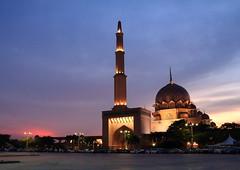 DPP_6348 (whchoy) Tags: nightphotography mosque nightscene putrajaya klcc twintower putrajayamosque