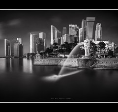 We're the same (HakWee) Tags: sunrise singapore merlion singaporemerlion