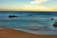 PLAYA EL SARDINERO  SANTANDER (Infinita_) Tags: espaa atardecer barco playa santander cantabria elsardinero playaelsardinero