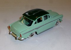 Simca Aronde P60 Dinky Toys (gueguette80 ... non voyant pour une dure indte) Tags: china old cars dan french toys made atlas autos dinky simca diecast jouets anciennes aronde p60 norev