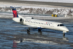Delta Connection (Chautauqua Airlines) Embraer ERJ-145 N258JQ KCMH 07DEC13 (FelipeGR90) Tags: columbus ohio airplane aviation chq fullframe 1ds eos1d embraer cmh chautauqua planespotting eos1ds erj regionaljet commercialaviation erj145 deltaconnection portcolumbus emb145 avgeek chautauquaairlines erj145lr e145 kcmh n258jq phxspotters