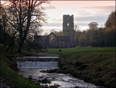 Fountains Abbey at Dusk, Studley Royal, North Yorkshire (robin denton) Tags: history abbey buildings ruins dusk yorkshire ruin sunsets historic unescoworldheritagesite unesco fountainsabbey hdr oldbuilding northyorkshire studleyroyal historicbuildings abbeyruins historicbritain godsowncounty rnbskell