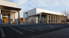 fujisawa - keio university shonan campus 1 (Doctor Casino) Tags: architecture campus architect fumihikomaki keidai keiouniversity shonanfujisawa 19901994 makifumihiko bldgtext keiōgijukudaigaku shonanfujisawakanpasu