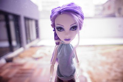 Sombre (PatouneMagic) Tags: blue light monster dark hair diy high eyes doll dolls purple lumire violet ombre yeux bleu spectra cheveux oeuil refflet monsterhigh vondergeist
