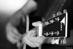 Violo (ricardoyamazaki) Tags: canon 50mm guitar f18 violo