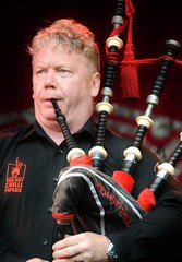 Red Hot Chilli Piper's (Michelle O'Connell Photography) Tags: festival musicians photography glasgow michelle band entertainment bagpipes westend kelvingrove pipers oconnell mela kelvingrovepark liveact scottishband glasgowscotland scottishbagpipes glasgowmela theredhotchillipipers maleband