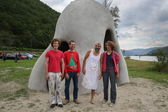 photoset: Kunst im öffentlichen Raum NÖ / St. Lorenz: Eröffnung Wachauer Nasevon Gelatin (12.7.2014)