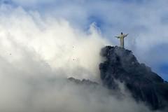 Cristo Redentor / Christ the Redeemer #1 (AdrianoSetimo) Tags: nuvens nublado nuvem montanha corcovado canon nfd fd brasil esttua statue outdoor clouds cloudy 75200mm canonfd75200mm cristoredentor christtheredeemer olympusomdem10 em10 cumulus