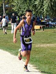 Cool outfit (Cavabienmerci) Tags: kids triathlon 2016 yverdon les bains switzerland suisse schweiz kid child children boy boys run race runner runners lauf laufen lufer course  pied sport sports running triathlete