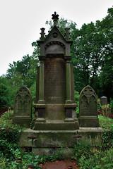 Friedhof Hemmingen 005 (michael.schoof) Tags: friedhof grabmal
