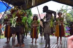 2016-09-22-3065 (tonykliemann) Tags: papua new guinea alotau