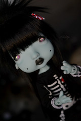 New eyes ! (Mientsje) Tags: humpty dumpty nefer kane circus green yosd egg artist cute sweet goth gothic doll bjd ball jointed abjd