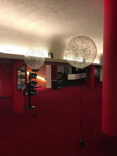 Cloudbuster Rond Confettiballon Premiere Hartenstrijd Wolff Cinerama Rotterdam
