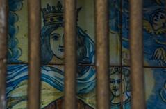 Mare de Du de la Panosa (Ramon Orom Farr [calBenido]) Tags: marededudelapanosa panosa penelles lanoguera marededus marededu virgen virgin verge marededudelcarmen provnciadelleida lleida catalunya espaa es planadurgell planadelleida rajoles cermica azulejos reixa eja detall detalle detail lapanosa catalonia catalogne d7100 nikon tamron pasoscatalans europe europa rural decay devocions devociones theotokos madrededios motherofgod godbearer