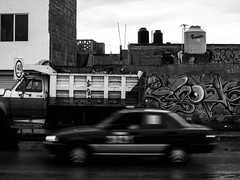 Rio españita (SeñorNT) Tags: slp mexico street graff truck old black white