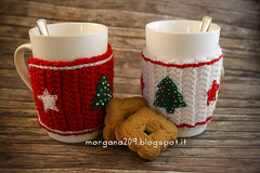 XmasCozyMug_09w (Morgana209) Tags: natale natale2016 christmas cozymug tazze uncinetto crochet feltro handmade fattoamano creativit rosso bianco lana stelle albero tree merenda colazione biscotti