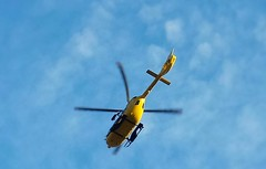 Elisoccorso italiano ( 118 ) (amos.locati) Tags: amos locati elicottero 118 soccorso rescue emergency helicopter bolzano italia italy giallo jellow pale fusoliera volo cielo azzurro sky fly