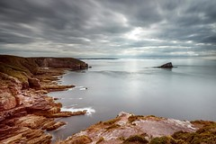 Cap Fréhel #explore (Fabien Georget (fg photographe)) Tags: rocks ocean mer lighthouse sea longexposure landscape paysage water sky ploumanach ayezloeil beautifulearth bigfave canoneos600d canon elitephotography elmundopormontera eos fabiengeorget fabien fgphotographe flickr flickrdepot flickrunited georget geotagged flickunited longue mordudephoto nature paysages perfectphotograph perfectpictures wondersofnature wonders supershot supershotaward theworldthroughmyeyes shot poselongue photography photo greatphotographer french monument bluehour capfréhel bretagne britanny granit seascape sunset slowshutter eau ciel autumn