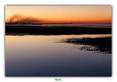 DUNKERQUE (régisa) Tags: coucher soleil dunkirk dunkerque leffrinckoucke plage beach fumée usine smoke factory mum