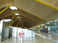 T4, Barajas Airport / Aeropuerto de Barajas (SamwiseGamgee69) Tags: madrid españa airport spain aeropuerto t4 terminal4 barajas