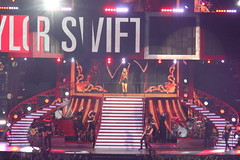 Taylor Swift (MetLife Stadium, July 13, 2013) (DFoxinator) Tags: new red newjersey tour stadium taylor jersey swift metlife redtour taylorswift 71313 metlifestadium