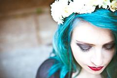 Giu Henne (Evelyn Matos) Tags: blue flower color beauty make up fashion hair de photography photobooth evelyn moda style maquiagem pro editorial fotografia henne dias ribeiro isa fernanda styling giu matos