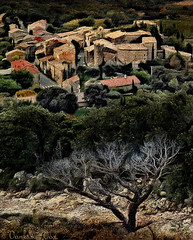 Rousset-les-vignes (Vanessa Vox) Tags: landscape artdigital roussetlesvignes drmeprovenale creativemindsphotography magicunicornverybest exoticimage vanessavox