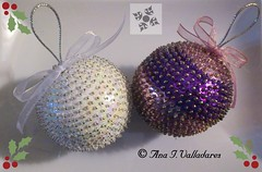 Bolas de Navidad (*nyta*) Tags: christmas tree navidad beads noel rbol abalorios lentejuelas alfileres polispam