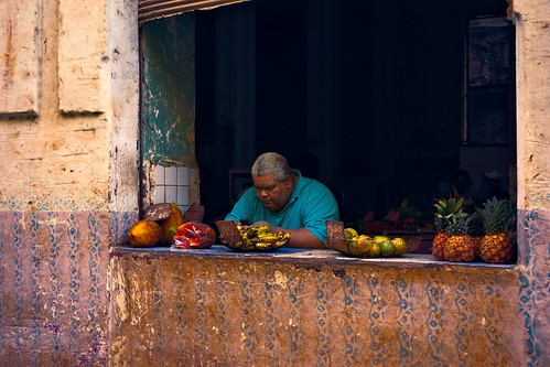 Fruit vendor (91248320@N04), photography tags:  street fruits havana cuba stall vendor seller