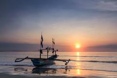 Jukung dan Sunrise | Ujung Genteng, Sukabumi